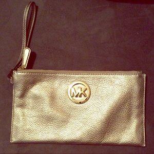 Michael Kors wristlet clutch (metallic gold)